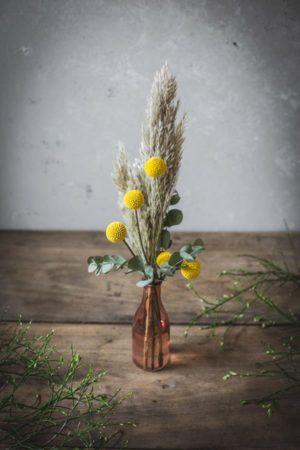 velikonocna-dekoracija-sopek-iz-suhega-cvetja