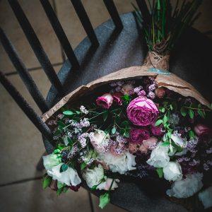 sopek-roz-sanje-na-stolu